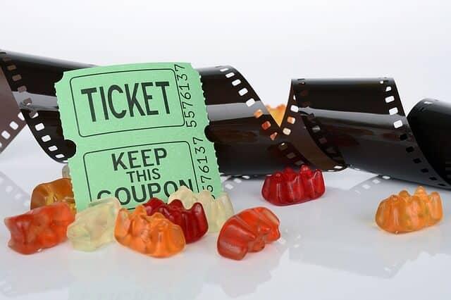 האם מומלץ לרכוש כרטיסים להופעות באינטרנט?