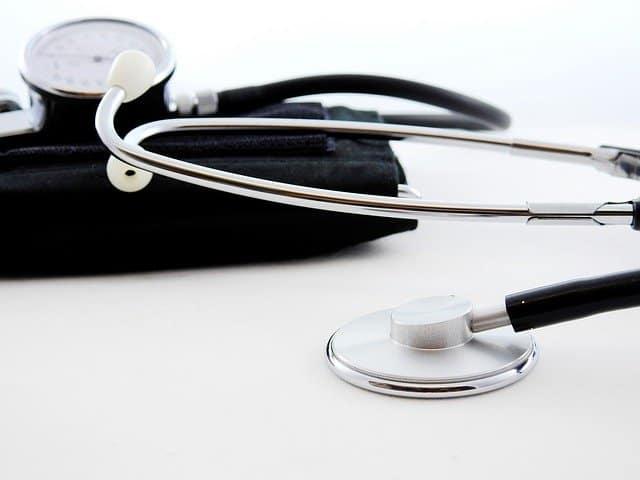 מה צריך לדעת על רופא לפני שקובעים תור?